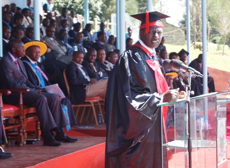 His Excellency, Deputy President addresses the Congregation during the graduation