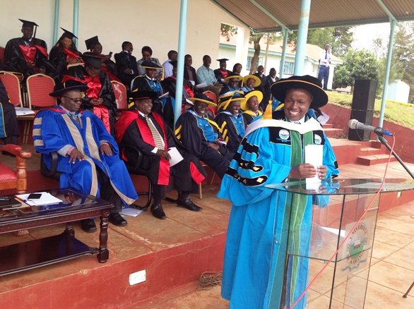 UoK VC Prof.Wilson Kipngeno addresses First Year Students of 2014/15 during orientation at the University grounds  </a>